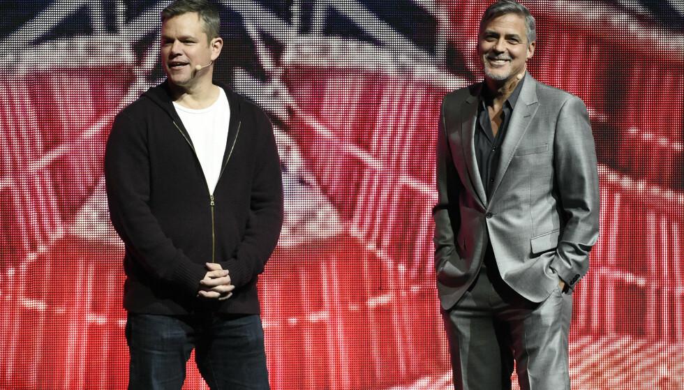 GODE VENNER: Matt Damon og George Clooney møtte pressen for å snakke om den kommende filmen «Suburbicon», der førstnevnte står på rollelista. George Clooney er regissør. Foto: Chris Pizzello / Invision / AP