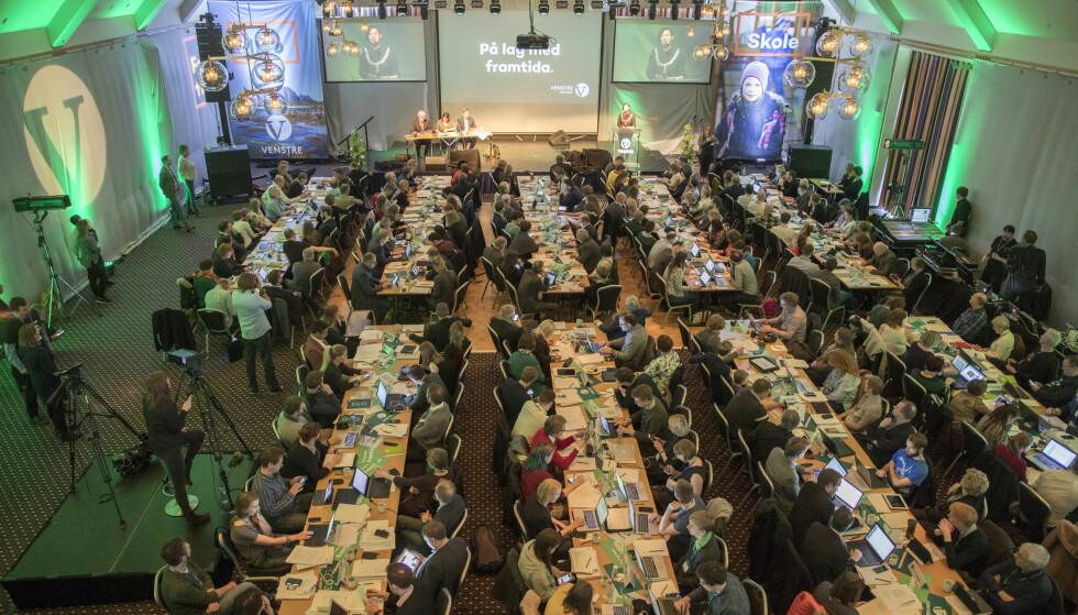 FAMILIEPOLITIKK: Delegatene på Venstres landsmøte i Ålesund engasjerte seg kraftig i debatten om familiepolitikken. Foto: Terje Pedersen / NTB scanpix