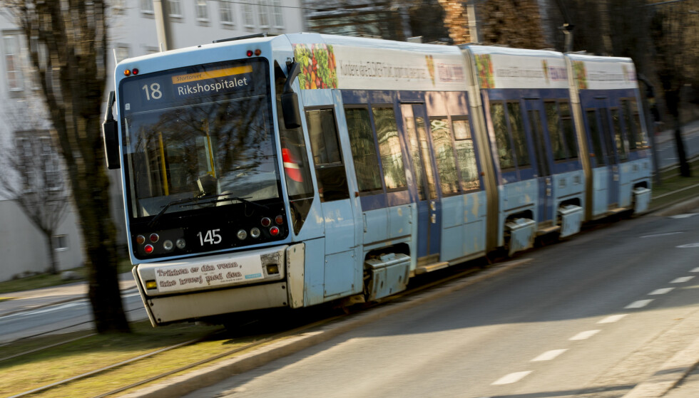 SKRYT: Thorvald Stoltenberg mener at offentlig transport i Oslo fortjener mye mer skryt. Foto: Vegard Wivestad Grøtt / NTB Scanpix