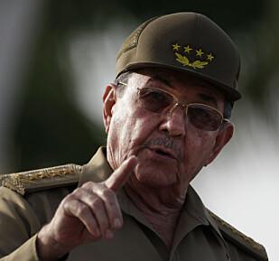 GÅR AV: Raúl Castro har sagt at han skal gå av i 2018. Det er usikkerhet og spenning knyttet til hva som vil skje da. Foto: NTB Scanpix / AP Photo/Javier Galeano.