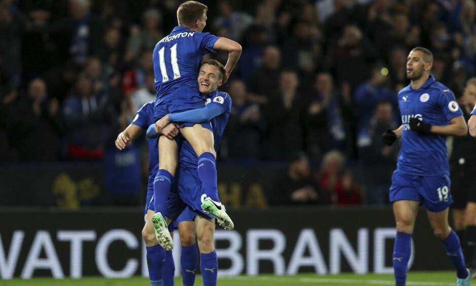NY JUBEL: Leicester Jamie Vardy både smiler og scorer mål igjen. Foto: Mike Egerton / PA / AP / NTB scanpix