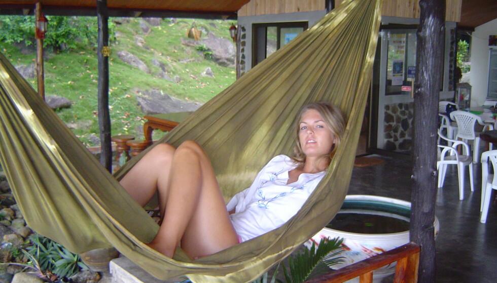 FIKK FEIL DIAGNOSE: Etter å ha blitt alvorlig syk på ferie i Asia i 2004, ble Elin Reitan feilaktig diagnosert med blindtarmbetennelse. Takket være reiseforsikringen kunne hun få gjennomført flere undersøkelser, som gjorde at hun til slutt fikk riktig behandling. Foto: Privat