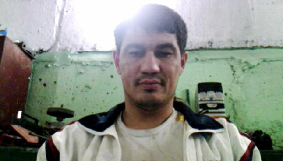 <strong>&nbsp;STOCKHOLM-TERRORISTEN:</strong> - Av årsaker vi knapt har begynt å forstå, er det nettopp disse kriminelle som er utsatt for å rekrutteres av islamister. Rakhmat Raimovich Akilov (39) Akhmat Akilov (Stockholm) vanket i kriminelle miljøer og brukte narkotika, skriver Artikkelforfatteren. Foto : Privat