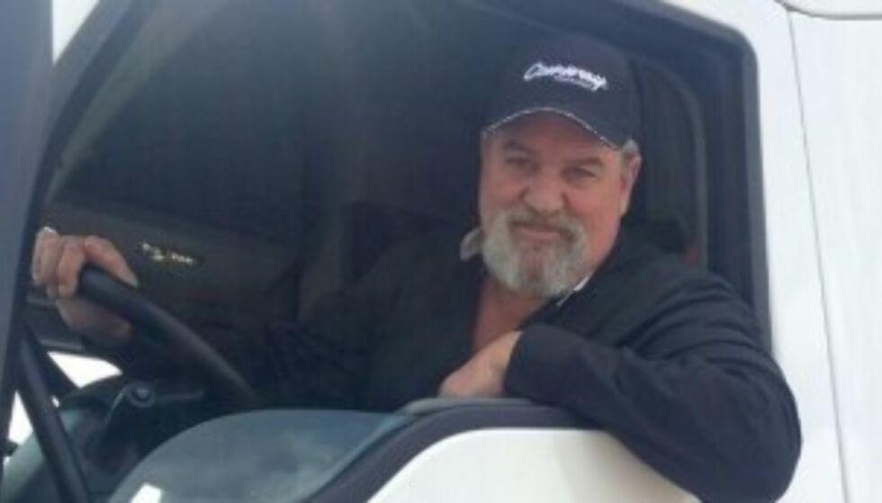 FATTET MISTANKE: Da trailersjåfør Kevin Kimmel oppdaget den slitne campingbilen utenfor bensinstasjonen, og så hvem som gikk inn i den, fattet han raskt mistanke. Foto: CNN