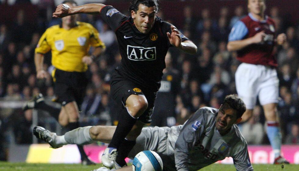 FÅR KRITIKK: Carlos Tevez har ikke blitt en umiddelbar hit i kinesisk fotball. Her er han fra tiden som Manchester United-spiller i 2007. Foto: Darren Staples, Reuters / NTB scanpix