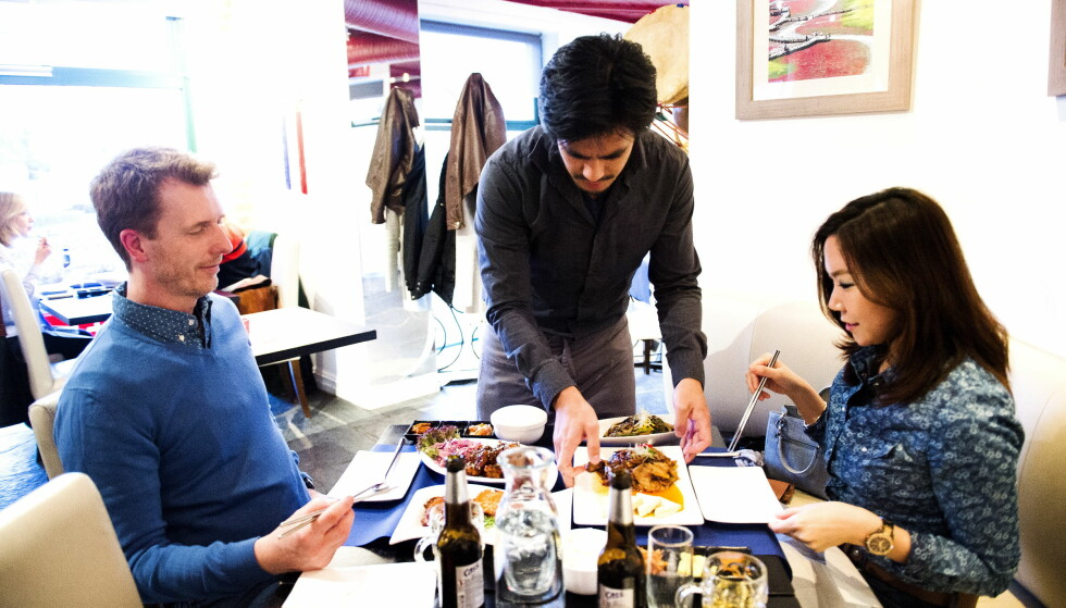 ANMELDELSE AV RESTAURANT GANGNAM I OSLO: - Super koreansk mat, mener Robinson og Fredag. Foto: John T.Pedersen / Dagbladet