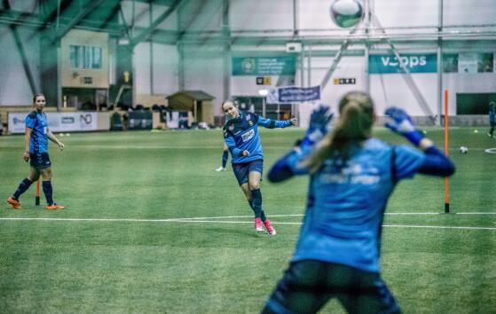 AVSLUTNING: LSK trener før helgas kamp mot Arna-Bjørnar. Foto: Thomas Rasmus Skaug / Dagbladet