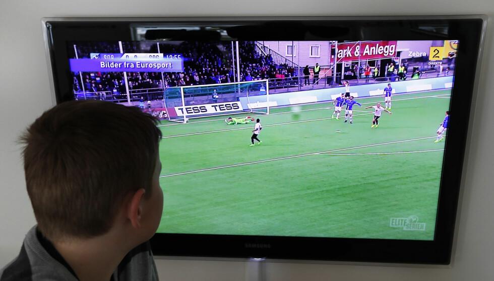 KIMEN: TV 2s målshow fra eliteserien i FotballXtra er allerede i retten. Nå vil rettighetshaver Discovery nekte TV 2 tv-akkrediteringer til andre mesterskap de har rettigheter til. Foto: Erik Johansen / NTB Scanpix