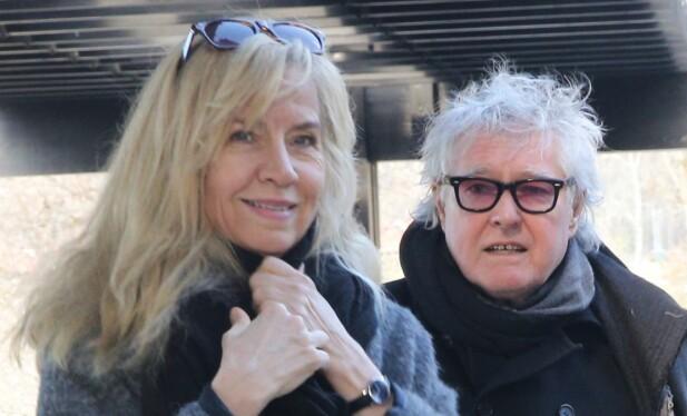 TIL STEDE: Hege Schøyen og ektemannen Arild Andersen tok farvel med Knut Borge. Foto: Andreas Fadum