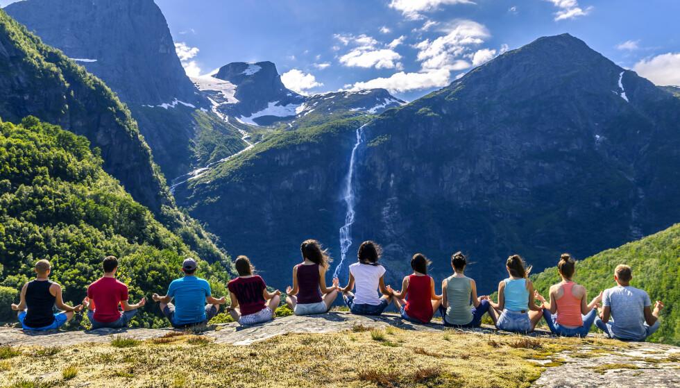MER OG MER POPULÆRT: Den norske naturen trekker stadig flere turister, både norske og utenlandske. Foto: Shutterstovk / NTB Scanpix