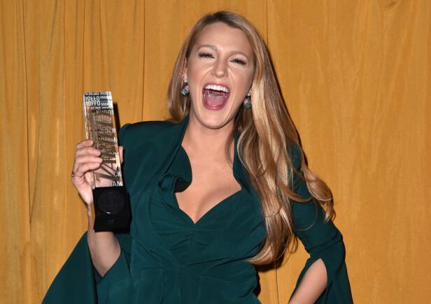 MOTTOK PRIS: Skuespiller Blake Lively fikk hederspris for sitt arbeid mot overgrep. Foto: NTB Scanpix