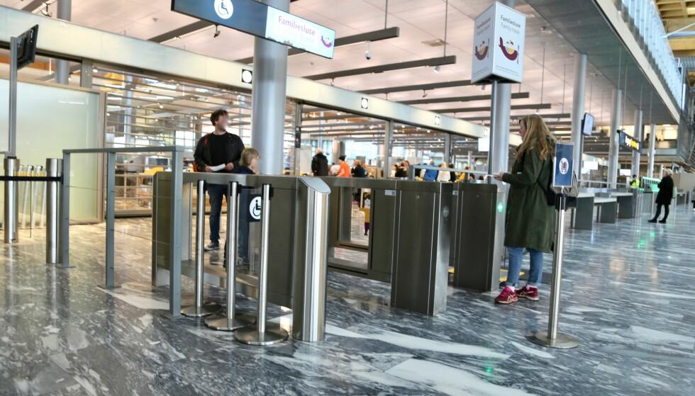 BUNADER VELKOMMEN: Her kan du gå hvis du har bunad med deg på flyet. Foto: Odd Roar Lange/The Travel Inspector