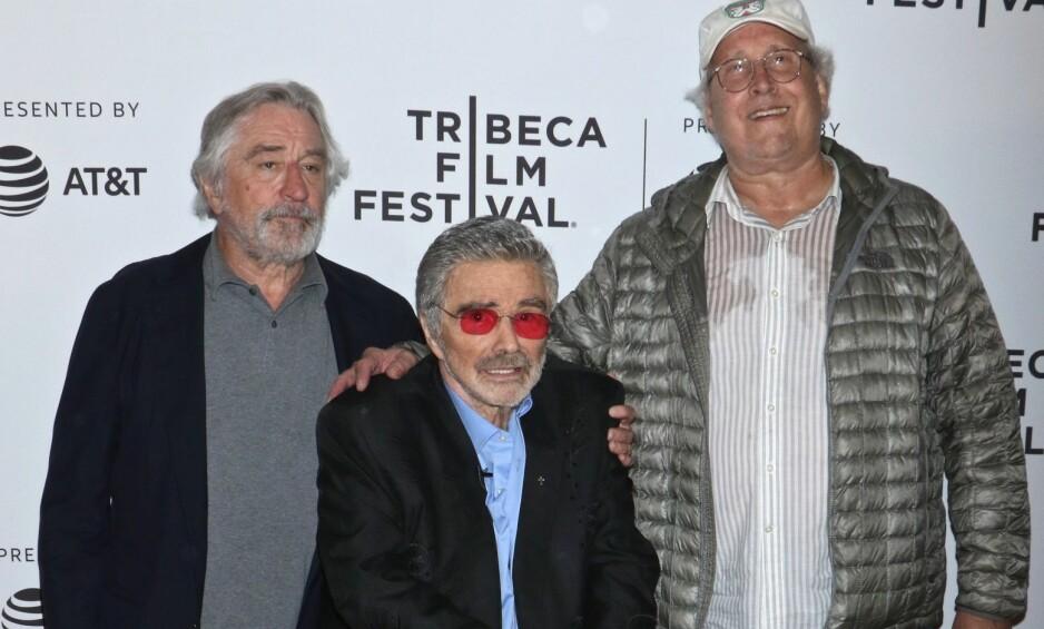 SENIOR-KAMERATER: Fra v. festivalsjef Robert De Niro, Burt Reynolds og Chevy Chase på Tribeca Film Festival i New York i helga. Foto: NTB Scanpix