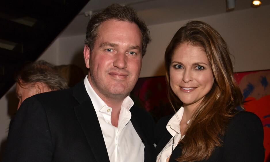 I HARDT VÆR: Chris O'Neill skylder nok en gang penger til amerikanske skattemyndigheter. Her avbildet med kona, prinsesse Madeleine. Foto: REX / NTB scanpix