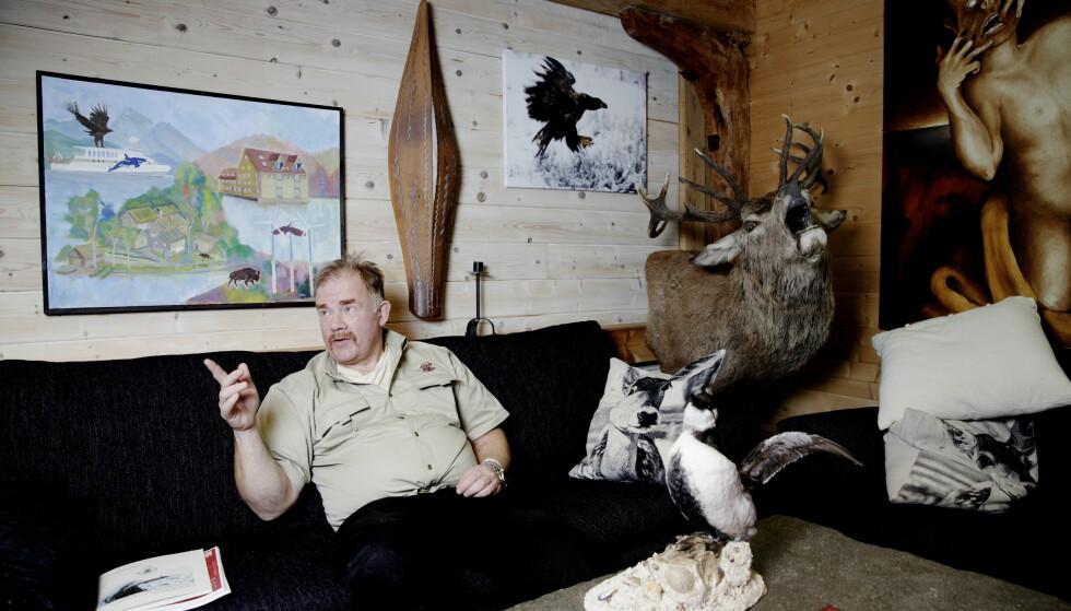 TAR BLADET FRA MUNNEN: - Du må gjerne kalle meg konspirasjonsteoretiker, sier Kurt Oddekalv (59), leder av Norges Miljøvernforbund. Foto: Paul S. Amundsen