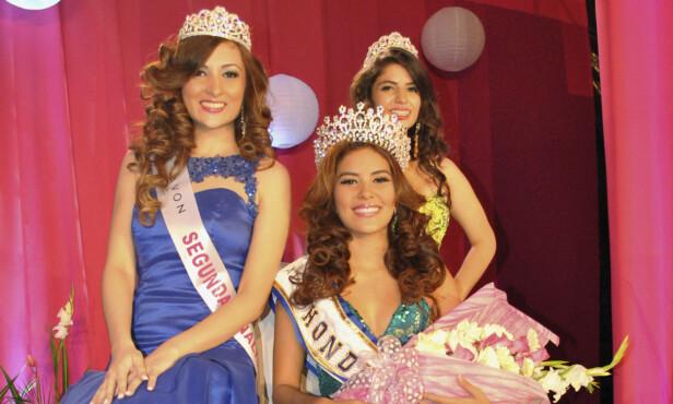 SKULLE TIL LONDON: Maria Jose Alvarado (i midten) ble kåret til Miss Honduras i 2014, men rakk aldri å konkurrere i den internasjonale kåringen. Foto: NTB Scanpix