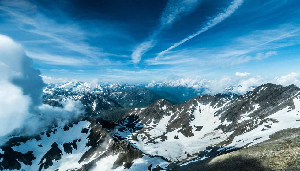 ØDE: Bernard Miniers debutbok foregår langt inn i de franske Pyreneene, her representert ved fjellet Pic du Midi de Bigorre. Foto: NTB Scanpix