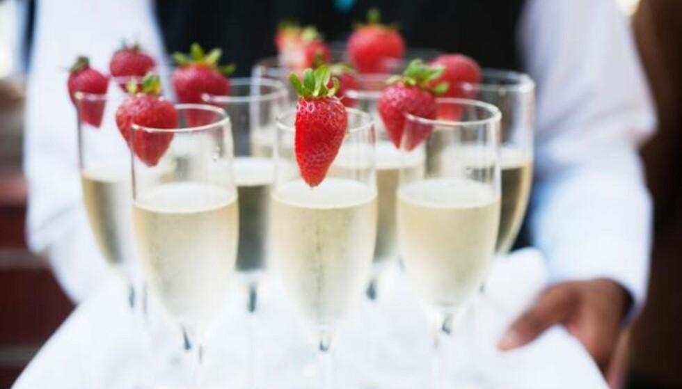 Lett start: De fleste begynner relativt tidlig med alkoholkonsumet på 17.mai og en lett start kan være en god idé. Foto: Shutterstock / NTB Scanpix