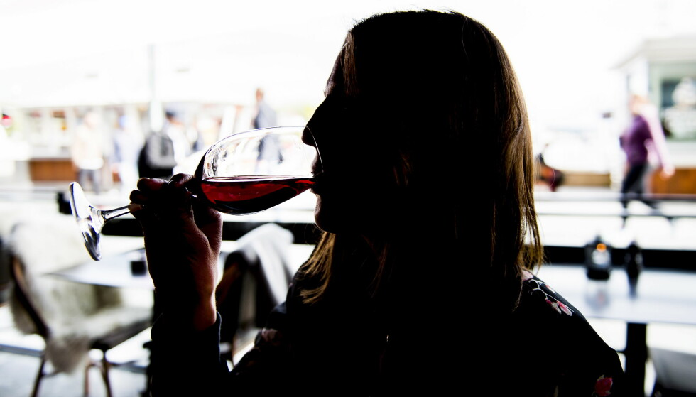 FARLIG: Norske gravide drikker mindre enn gravide i andre deler av verden. Samtidig er det store mørketall. Ingen vet hvor mange som sliter med alkoholskader. Illustrasjonsfoto: Lars Eivind Bones