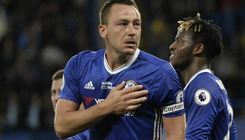 SIST KAMP PÅ STAMFORD BRIDGE: John Terry gir seg i Chelsea etter sesongen. Foto: NTB Scanpix