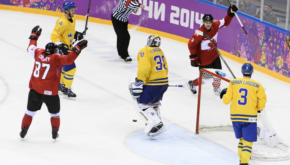 DYRT: Canada slo Sverige i OL-finalen for snart fire år siden. Skal du se OL-finalen i 2018, må du ut med nesten 5000 kroner for billetten. Foto: Claudio Bresciani / TT