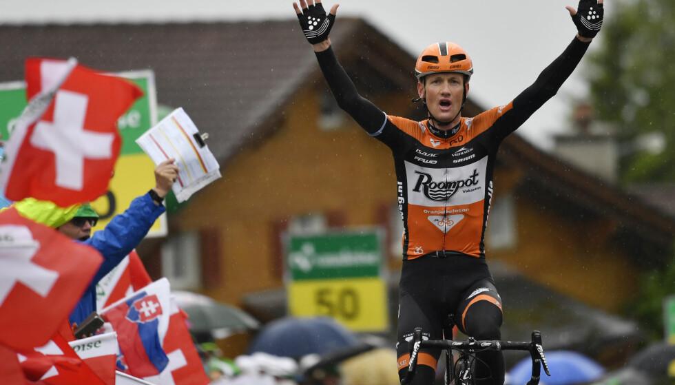 VANT IGJEN: Pieter Weening gjentok bragden fra 2016, og vant kongeetappen i Tour of Norway 2017. Her fra Sveits rundt. Foto: Gian Ehrenzeller/Keystone via AP)
