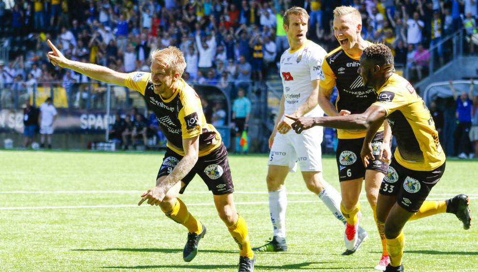 JUBEL: Start vant 1.divisjons oppgjøret mot Arendal tirsdag kveld. Foto: Tor Erik Schrøder / NTB scanpix