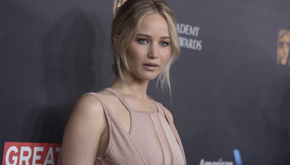 SINGEL: Hollywood-stjerna Jennifer Lawrence trives med singeltilværelsen og er ikke på utkikk etter noen ny mann enda. Foto: NTB Scanpix