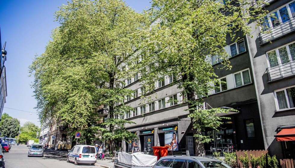 SLIPPER SKATT: Christian Ringnes er største eier av denne bygården i Parkveien 64, hvor 98 leiligheter er så små at eierne slipper eiendomsskatt. Verken Ringnes eller selskapet hans Eiendomsspar har besvart våre spørsmål. Foto: Thomas Rasmus Skaug.