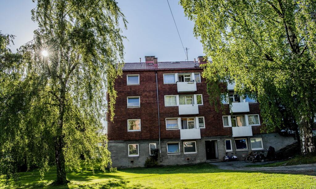 SLIPPER SKATT: Her i Sinsenveien 72 eier Ivar Tollefsen 80 leiligheter som slipper eiendomsskatt fordi de er så små at de faller inn under bunnfradraget. Foto: Thomas Rasmus Skaug.