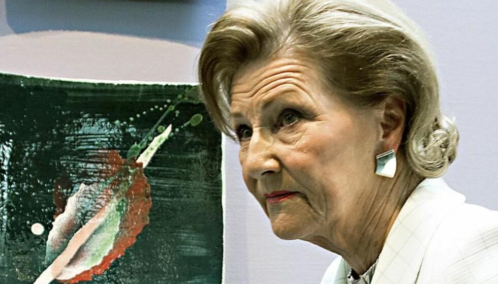 Det er krise at Dronning Sonja står for den største kunstdebatten vi har hatt i Norge på mange år