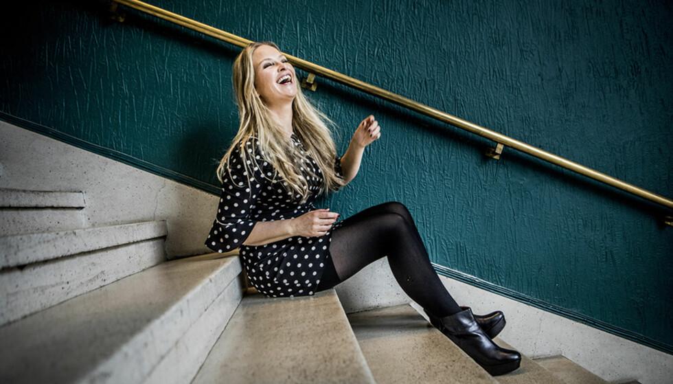 RYDDET SEG GLAD: Synnøve Skarbø legger ikke skjul på at det er en enorm jobb å rydde opp i andres rotehjem. Men siden hun blir lykkelig av å rydde, har hun det også fantastisk gøy. FOTO: Christian Roth Christensen / Dagbladet