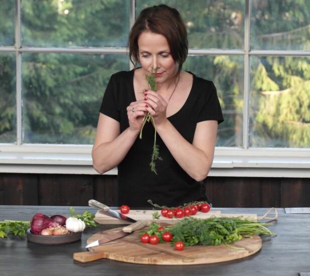 GOD SMAK: - Vegetarmat skal smake godt og mette like mye som annen mat, sier Lene Engelstad. Foto: ourkitchenstories.no