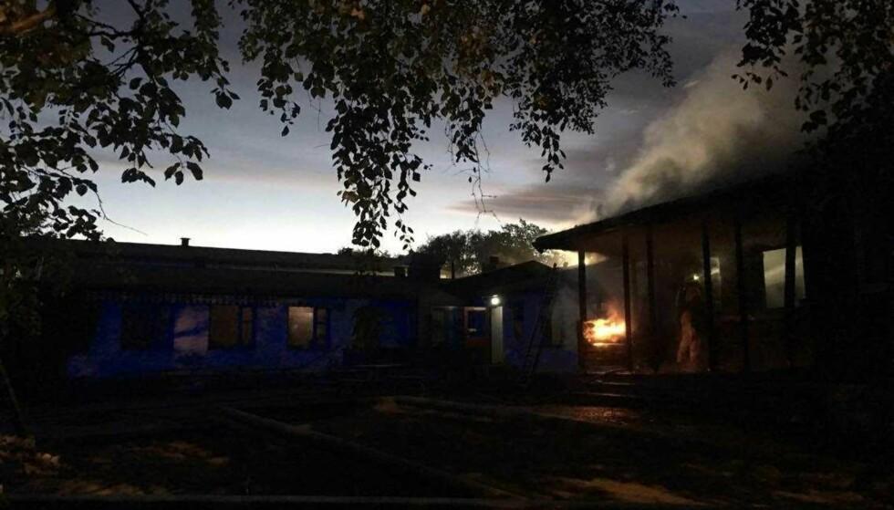 BRANN: Brann i Voldsløkka barnehage. - Det brenner godt, sier operasjonslederen i politiet. Foto: Axel Wik