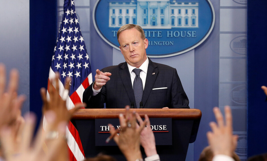 White House Press Secretary Sean Spicer takes a question during a press briefing at the White House in Washington, U.S., May 30, 2017.   REUTERS/Joshua Roberts