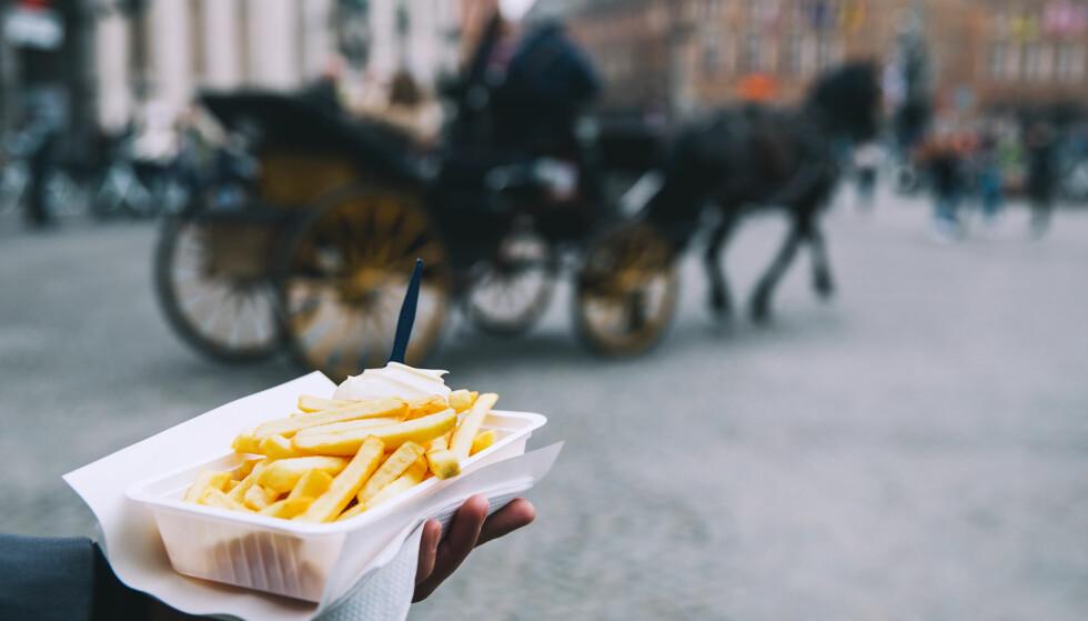 IKKE LENGER ETT FETT: EU foreslår nå retningslinjer for hvordan pommes frites lages. Belgierne, som gjerne steker pommes frites i hestefett to ganger, reagerer. Foto: NTB Scanpix
