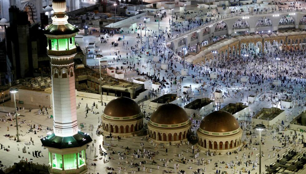 TERRORMÅL: Stormoskeen i Mekka er mange muslimers helligste sted. Foto: Ahmed Jadallah, AFP/NTB Scanpix.