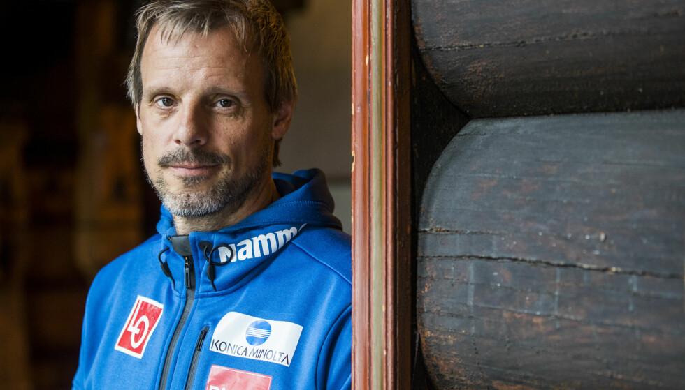 SEKS ÅR VED RORET: Alexander Stöckl har vært landslagstrener i hopp siden 2011. Han overtok etter finnen Mika Kojonkoski. Foto: Fredrik Hagen / NTB Scanpix