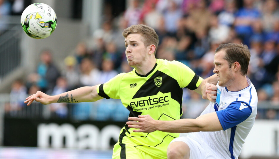 STORSEIER: Kristoffer Haraldseid og Haugesund lekte seg hjemme på Haugesund Stadion. Foto: NTB / Scanpix / Andrew Halseid Budd / REX / Shutterstock