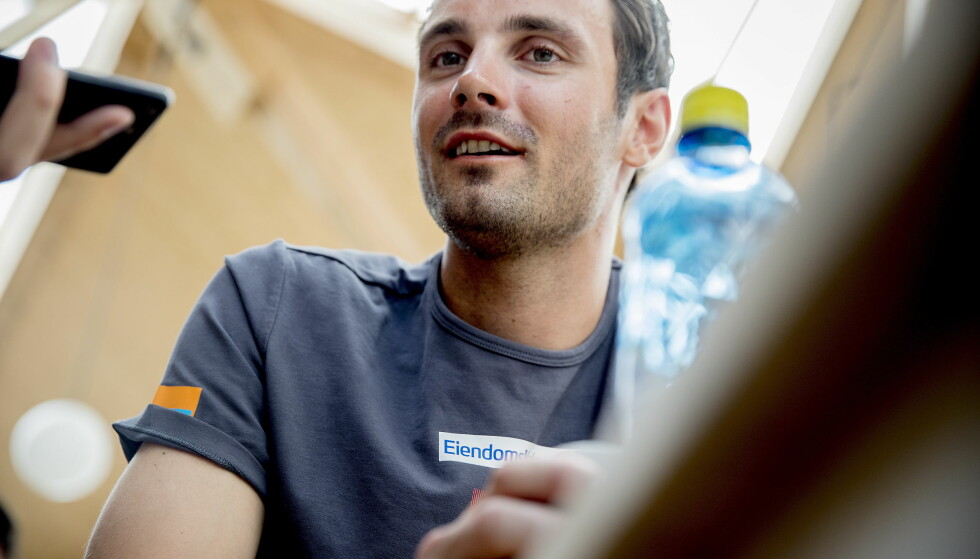 BRYR SEG IKKE NOE STØRRE: Hans Christer Holund sier han tar Northugs sosiale medier-poster som humor, og føler seg ikke støtt. Foto: Bjørn Langsem / Dagbladet