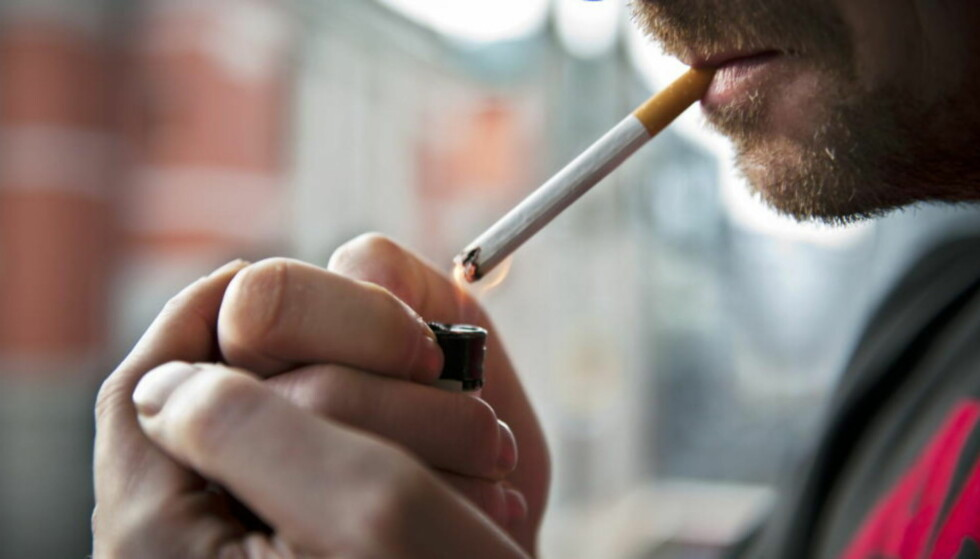 STUMPER RØYKEN: Kreftforeningen spurte flere utesteder om de kunne tenke seg å ha røykfri uteservering i forbindelse med markeringen av «Verdens tobakksfrie dag». Flere ble med, og hos enkelte var opplevelsen så god at de har valgt å gjøre ordningen permanent. Illustrasjonsfoto: Fredrik Varfjell / NTB Scanpix