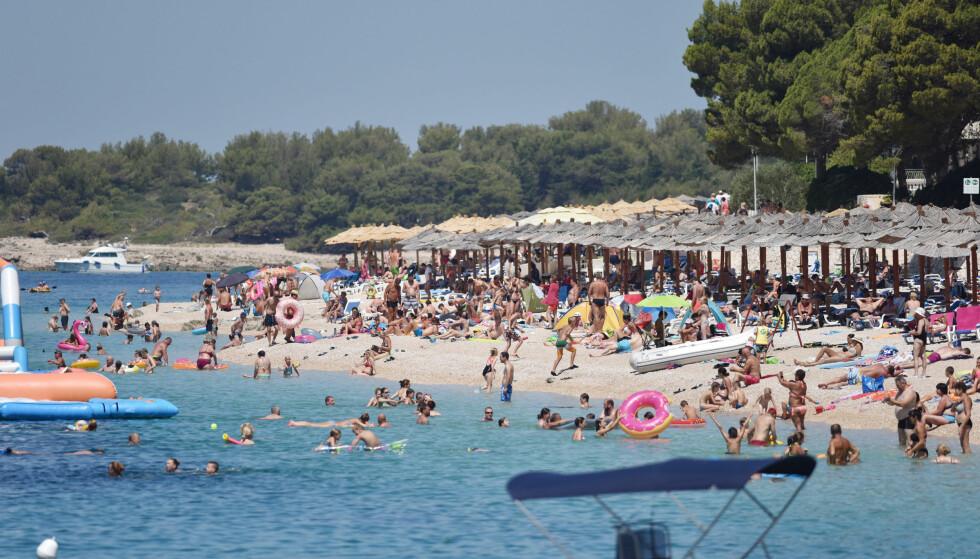 SVAK KRONEKURS: gjør at feriehandlingen ikke er like billig som den en gang var. Det finnes imidlertid noen ting du kan gjøre for å spare penger, skriver Elin Reitan. Foto: Hrvoje Jelavic/PIXSELL/NTB Scanpix