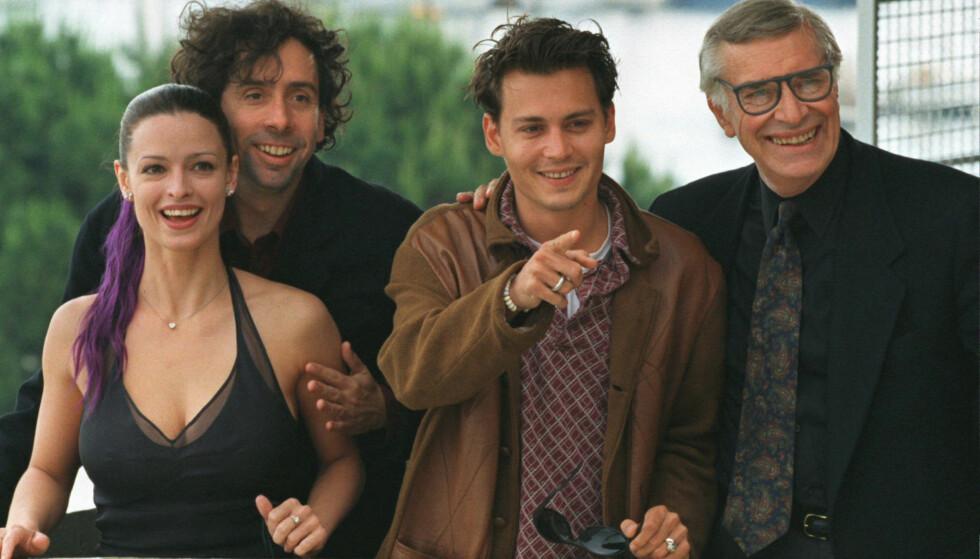 KJENT SKUESPILLER: Marin Landau avbildet sammen med «Ed Wood»-motspiller Johnny Depp og filmens regissør Tim Burton under filmfestivalen i Cannes i 2006. Også Landaus datter, Juliette Landau (t.v.), hadde en rolle i filmen. Foto: Reuters/ NTB scanpix