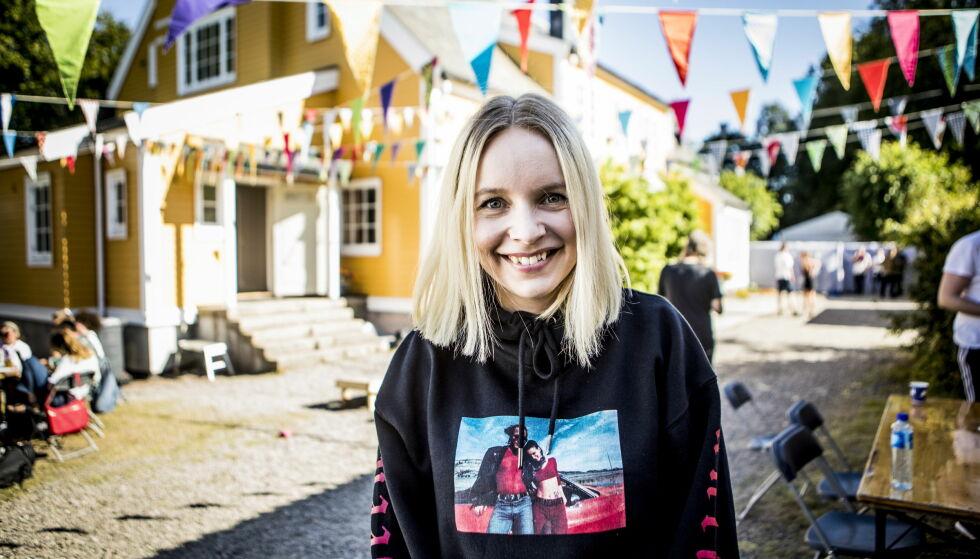 FESTIVALSOMMER: For Christine Dancke handler sommeren om å reise rundt på festivaler for å spille og gjøre intervjuer. Foto: Christian Roth Christensen