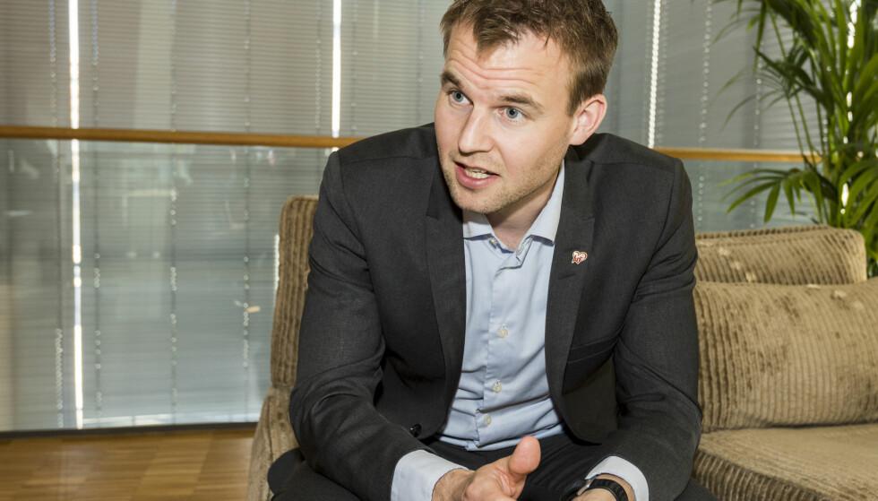 ALDERSSJEKK: Nestleder i KrF, Kjell Ingolf Ropstad, ønsker å innføre aldersjekking av brukere på pornonettsider. Foto: Ned Alley / NTB scanpix