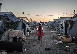 KUMMERLIGE KÅR: Italia mottar gjennomsnittlig rundt 450 nye flyktninger og migranter daglig, og har ikke kapasitet til å hjelpe alle. Forholdene i migrantleiren San Ferdinando, helt sør i Italia, er svært dårlige. Foto: Diego Fedele / AGF / REX / Scanpix