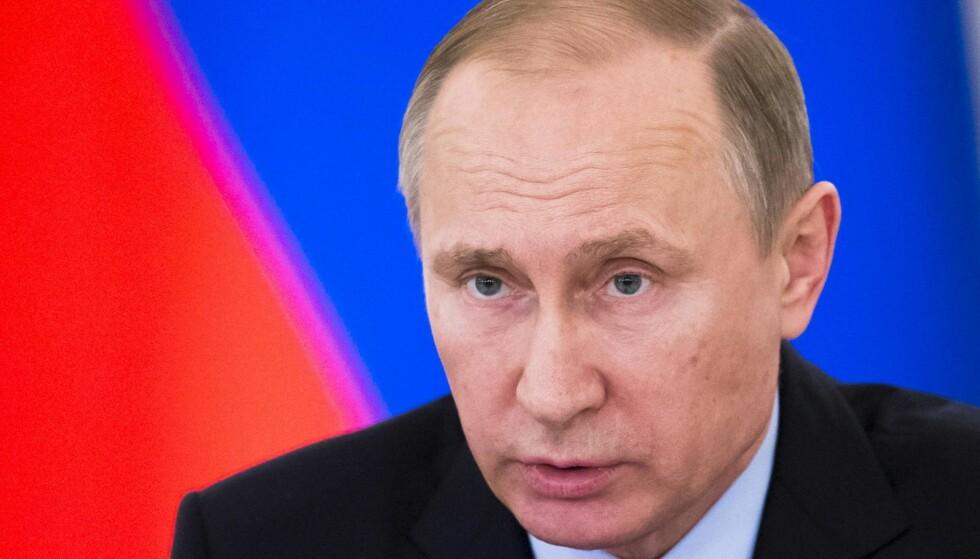 UENIGHET OM FOLKERETTEN: Siden de begynte sine luftangrep i 2015, har Russland drept flere tusen sivile, blant annet fordi de har bombet i flere tett befolkede områder. Dette er krigsforbrytelser, og ikke noe man kan stå og forsvare i folkerettens navn, skriver Langemyr.