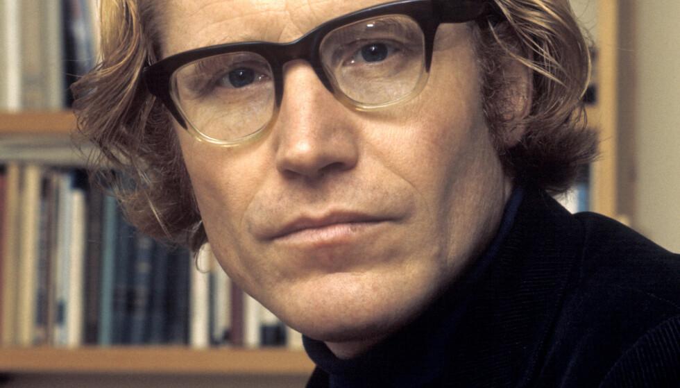 GIKK BORT: Den anerkjente forfatteren og billedkunstneren Stein Mehren er død. Her er han avbildet i 1976. Foto: Henrik Laurvik/ NTB scanpix