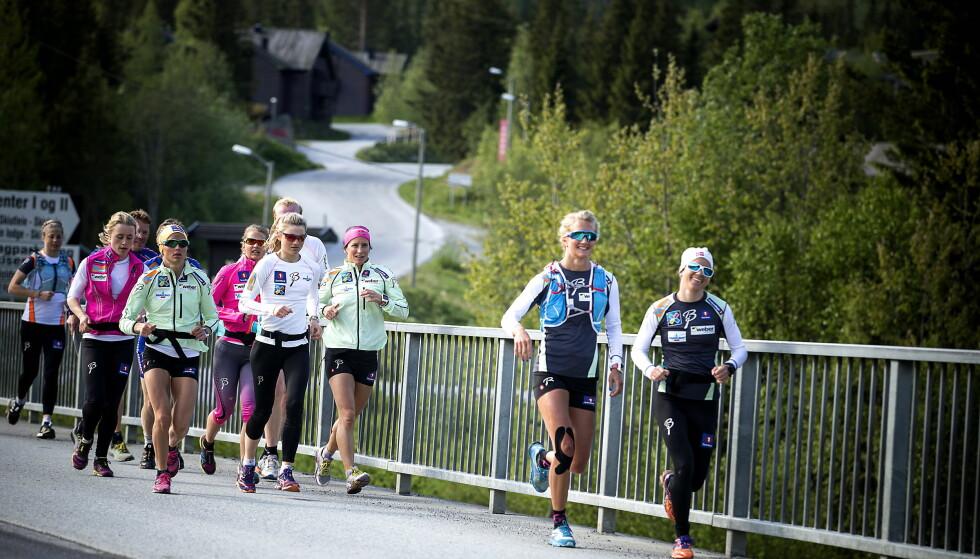 SKEPSIS: 31 prosent av den norske befolkning tror norske skiløpere doper seg. Foto: Bjørn Langsem