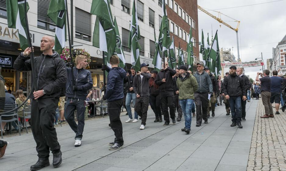 UANMELDT: I fjor dukket Den nordiske motstandsbevegelsen plutselig opp i Kristiansand, etter å ha fått avslag på å demonstrere i Fredrikstad. Foto: Tor Erik Schrøder / NTB scanpix